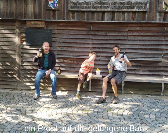 Neue Sitzbank am Lingmannhaus.
