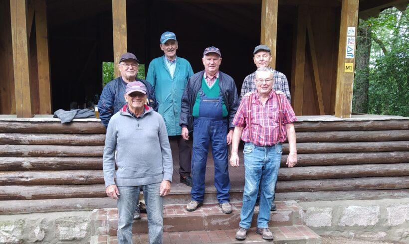 Murleinsnest-Fundament unserer Hütte renoviert.